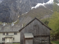 house-barn-mountains